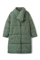 <p>The Beat Puffer Coat is an insulated puffer coat with a detachable collar for extra warmth. It has snap on buttons and two side pockets.<br /><br />-The model is 178 cm tall and wears size small, that measures 130 cm in chest circumference,109 cm in length and59 cm in sleeve length.<br /></p>