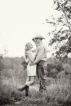Engagement photos #engagement #photography #love #rustic