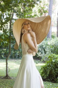 Zurich's Favorite Bridal Brand for HauteCouture and CustomMade Wedding Dresses! Top Bridal Designers Custom Made Bridal Gowns Reasonable Prices Bridal Gowns, Wedding Dresses, Custom Made, Bridal Designers, Glamour, Thessaloniki, Luxury, Romance, Magic