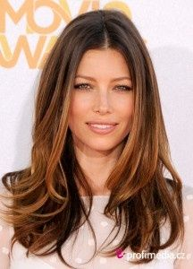 Sleek blow-dry with waves on Jessica Biel #Prom #hairstyle