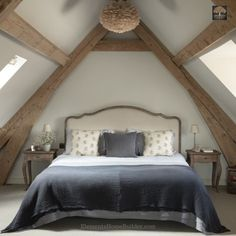 39 Rustic Farmhouse Bedroom Design and Decor Ideas To Transform Your Bedroom - The Trending House Oak Bedroom, Barn Conversion Bedroom, Barn Conversion Interiors, Home, Attic Master Bedroom, Bedroom Design, Bedroom Loft, Small Bedroom, Rustic Master Bedroom