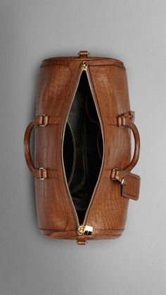 Tan The Large Alchester in Alligator Leather - Image 5 Leather Duffle Bag, Duffle Bags, Leather Bag Pattern, Fashion Bags, Men's Fashion, Leather Accessories, Leather Handle, Briefcase, My Bags