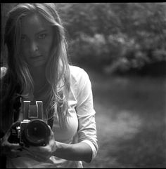 13 Fun Self Portrait Mirror Shots - Digital Photography School