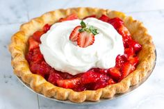 This easy pie recipe is sweet and simple. A slice of Humble Strawberry Pie is a delicious combination of fresh strawberries, a light strawberry glaze, flaky crust and just enough whipped cream on top. Summer dessert recipes are our favorites to make. Fresh Strawberry Recipes, Strawberry Glaze, Strawberry Muffins, Strawberry Desserts, Strawberry Jello, Fresh Fruit, Pie Crust Recipe Video, Pie Crust Recipes, The Fresh