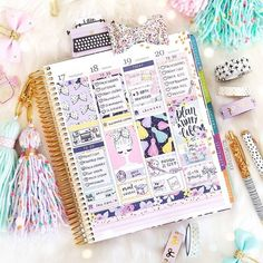"""1,214 Likes, 238 Comments - Vanessa (@hellopetitepaper) on Instagram: """"Happy Sunday friends! Let's do a flash giveaway! Leave one comment and tag a friend (in the same…"""""""