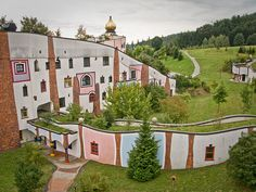 Friedensreich Hundertwasser, eco-friendlier architecture
