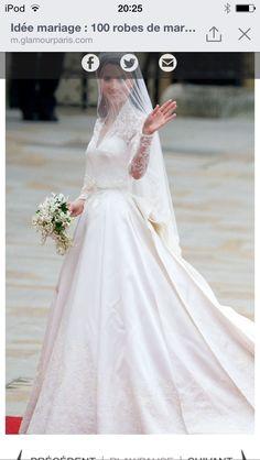 3d01a86738e5f Mariage Princier, Mariage Robes, Robe De Mariée Princesse, Coiffure  Mariage, Princesse Moderne