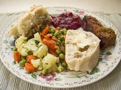 Last Minute Thanksgiving Menu Tips  Judith-Kingsbury1-11,2012 Still haven't decided on this year's Thanksgiving menu? Don't panic! There is still plenty of time and you have our Thanksgiving menus and recipes as a fallback.