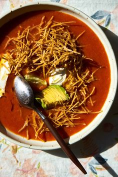 This is my take on tortilla soup – a full-bodied, spicy vegetarian broth envelops a nest of baked tortilla matchsticks. Many tortilla soup recipes c Vegetarian Tortilla Soup, Vegetarian Recipes, Healthy Recipes, Healthy Soups, Against All Grain, Chili Recipes, Soup Recipes, Pho, Cooking Ingredients