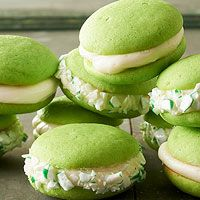 So, you're tired of the usual Christmas treats and want something different? Spearmint Whoopie Pies with White Chocolate-Mascarpone