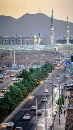 Al Masjid An Nabawi, Mecca Masjid, Masjid Al Haram, Islamic Images, Islamic Pictures, Beautiful Mosques, Beautiful Places, Islamic Sites, Islamic Dua