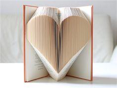 Gastgeschenke - Herz ° Gefaltetes Buch - ein Designerstück von KlausUndSo bei DaWanda