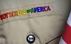 USA: anche capogruppo gay nei Boy Scout Dopo il permesso a persone omosessuali di occupare ruole dell'esercito, l'America apre la strada anche ad una rivoluzione nel corpo dei Boy Scout. Immediati i commenti di sdegno e diffidenza da parte #usa #gay #lgbt #boyscout #attualità