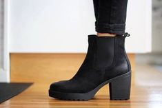 Chelsea Boot Outfits | shoes dark boots heel mode cool fashion black high heels chelsea boots ...