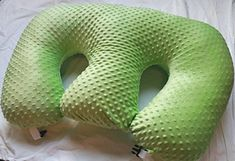 The TWIN Z Pillow - Lime Green -The Only 6 in 1 Twin Pillow Breastfeeding, Bottlefeeding, Tummy Time & Support! A Must Have for Twins! Twin Breastfeeding Pillow, Twin Nursing Pillow, Pregnancy Pillow, Pillow Slip Covers, Pillow Reviews, Bottle Feeding, Tummy Time, Twin Babies, Diy Pillows