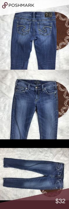 Silver Suki Slim Women Jeans W28 L31 Dark Great item , please see pictures for more information   There are NO Major Flaws with this item. If you notice a flaw that we did not mention, please contact us first before leaving negative feedback. We are only human and may make a mistake once in a while.   From Smoke Free Home     Fast Shipping Silver Jeans Jeans Skinny