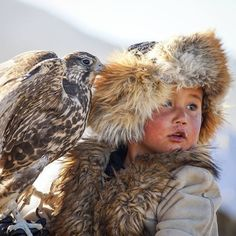 Little kazakh boy Bazarbaiuly Dinislam is the youngest eagle hunter in Mongolia Mongolia, Landscape Photography Tips, Scenic Photography, Night Photography, Landscape Photos, Hunter Tattoo, Tribal People, Portraits, Hunter X Hunter