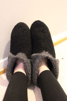 Knitted slippers Knitted Slippers, Socks, Shoe, Legs, Knitting, Crafts, Fashion, Moda, Knit Slippers