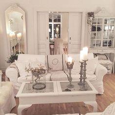 Kan inte ståta med några fina dubbeldörrar trots att vi bor i ett gammalt hus,men skjutdörrar har vi mellan några rum på ett par ställen iaf och det är inte fy skam det heller😉Mycket praktiskt dessutom😊Efter helgen är de nu också äntligen vita😃Ha en skön kväll gott folk😘Jag ska bänka mig vid tv:n för att titta på Dicte😊Kraam💕. Tusen tack snälla #onetofollow @shabby_chichomes Home Bedroom, Bedroom Ideas, Bedroom Decor, Love Home, Cottage Style, Great Rooms, Rum, Living Rooms, Family Room
