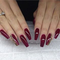 Pin by VictorBarbosa AdíliaCampos on Unhas in 2019 Sparkle Nails, Glam Nails, Classy Nails, Stylish Nails, Maroon Nails, Burgundy Nails, Red Acrylic Nails, Red Nails, Gorgeous Nails