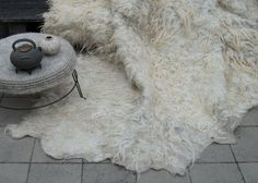 Felt carpet of raw wool