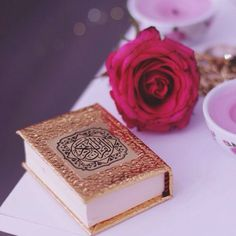 Image de islam, allah, and quran Islamic Images, Islamic Love Quotes, Islamic Pictures, Muslim Quotes, Islam Muslim, Allah Islam, Islam Quran, Quran Wallpaper, Islamic Wallpaper