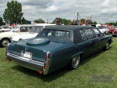 cadillac-fleetwood-limousine-1979-02