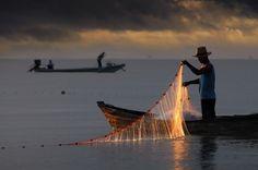 "(Via 500px / Photo ""Homem Fisher"" por GLSee)"