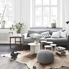 Simple and Crazy Ideas Can Change Your Life: Minimalist Home Living Room Lounges minimalist interior luxury inspiration.Minimalist Home Tips Thoughts minimalist bedroom simple lights. Minimalist Home Decor, Minimalist Living, Minimalist Interior, Minimalist Bedroom, Modern Minimalist, Minimalist Kitchen, Minimalist Apartment, Minimalist Layout, Minimalist Design