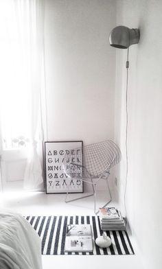 Lisa rug | Pappelina | Diamond chair | RK Design | facing north with gracia