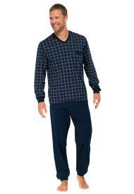 Collectie 'Schiesser' nightwear tricot pyjama met uni-blauwe broek en ruiten shirt met V-hals. Borstzakje met boordjes aan mouwen en broekspijpen. Prijs €50,--. Verkrijgbaar bij Ster Born mode [Je EiGen sTijl]
