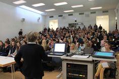 Der Vortragssaal beim Infotag Medizinstudium war bis zum letzten Platz besetzt. http://planz-studienberatung.de/infotag-medizinstudium
