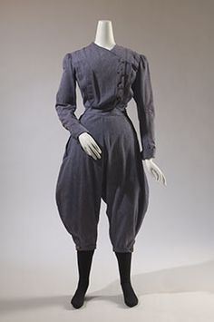 Women's Gym Suit The Museum at the Fashion Institute of Technology 1890s Fashion, Edwardian Fashion, Vintage Fashion, Historical Costume, Historical Clothing, Cycling Suit, 19th Century Fashion, Antique Clothing, Women's Clothing