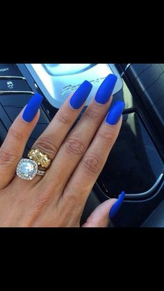 Pinterest: Ibagui ☾ Royal Blue Nails, Blue Matte Nails, Pretty Nail Designs, Toe Nail Designs, Love Nails, Pretty Nails, Beauty Quote Tattoos, Lip Tips, Nail Design Video