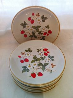 Vintage Strawberries n Cream Stoneware Sheffield plates. $30.00, via Etsy.  I want these!