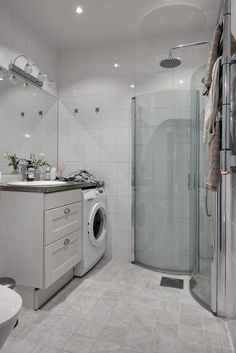 Laundry Room Bathroom, Cozy House, Washer And Dryer, Washing Machine, Home Appliances, House Design, Retro, Nail Designs, Garage