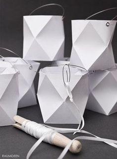 Origami-Lampion (mit Faltvorlage) - Handmade Kultur