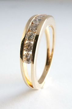 """Unique wedding rings that you're practically morally obligated to say """"yes"""" to"""