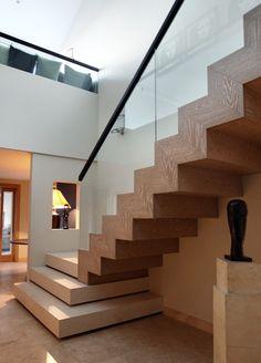 Staircase Contemporary, Staircase Design Modern, Home Stairs Design, Door Design Interior, Modern Stairs, Modern House Design, Interior Stair Railing, Stair Decor, Modern Entryway