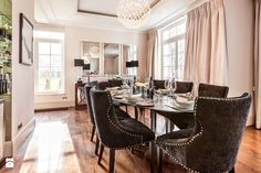 Osiedle Ventana - jadalnia rezydencji typu C - zdjęcie od Ventana Dining Bench, Dining Chairs, Dining Room, Mirror, Interior, Furniture, Home Decor, Google, Dinner Room