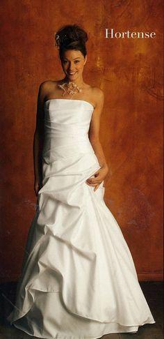 Lambert-creations, Eponyme label style Hortense white bridal gown French Wedding Dress, White Bridal, Lace Applique, Designer Wedding Dresses, Bridal Gowns, Corset, One Shoulder Wedding Dress, Label, Bride Dresses