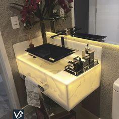 Lavabos sempre merecem um toque especial!!! #lavabo #lavabodecorado #lavaboelegante #verenabrasilarquitetura