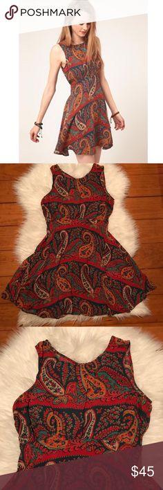 "Free People Dancing Pretty Paisley Patterned Dress Measurements: armpit to armpit: 15"" waist: 12"" length: 31"" *B106 Free People Dresses"