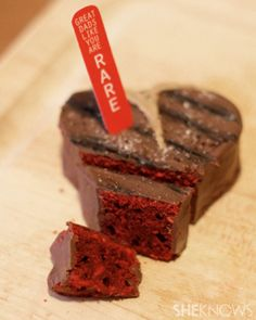 Steak brownies (she knows) fathers day steak brownies. complete with printable steak tabs Yummy Treats, Delicious Desserts, Sweet Treats, Dessert Recipes, Dessert Ideas, Fathers Day Cupcakes, Fathers Day Cake, Steaks, Creative Desserts