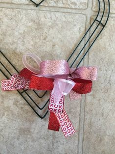 How to make a ribbon wreath for Valentine's Day day wreath ideas How. How to make a ribbon wreath for Valentine's Day day wreath ideas How…, Diy Valentines Day Wreath, Valentine Day Crafts, Valentine Decorations, Valentine Tree, Valentine Ideas, Ribbon Wreath Tutorial, Mesh Ribbon Wreaths, Wire Wreath, Burlap Wreaths
