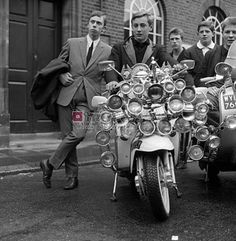 RETRO SCOOTER GARAGE: We are the Mods