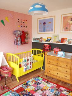 Kids room - Yellow painted bed - ninainvorm