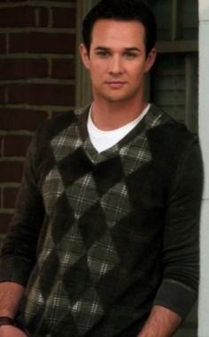 I love Ian's preppy argyle sweater