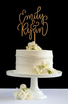 Make your day extra special with a custom cake topper from Honey & Crisp #caketopper #wedding