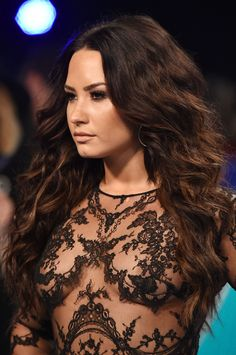 Demi Lovato Casually Frees the Nipple on the VMAs Red Carpet